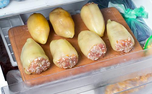 Замороженный фаршированный перец