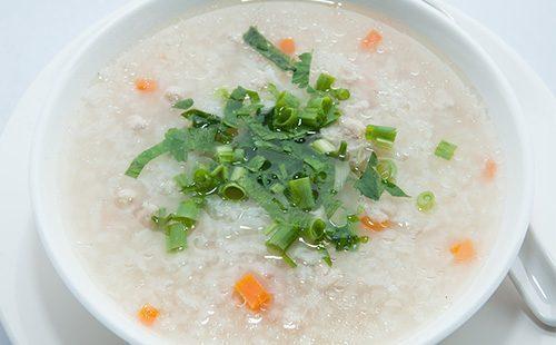 Жидкая рисовая каша на завтрак