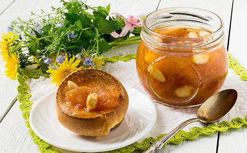 Яблочный джем с орехами