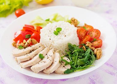 Диетическая еда на тарелке