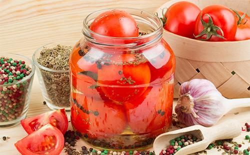 marinad-dlya-pomidorov-na-1-litr-vody-v-