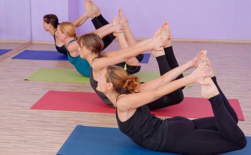 Занятия фитнесом в зале