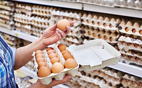 Выбор яиц в супермаркете
