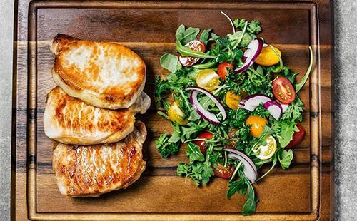 Запеченое мясо с овощами