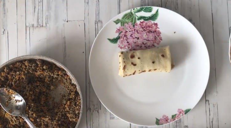 Приготовьте блинчики с печенью по нашему рецепту с фото, они подойдут даже к праздничному столу.
