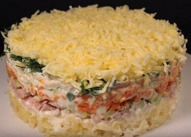 Оригинальный слоеный салат с копченой курице и сыром: готовим по рецепты с фото и видео!