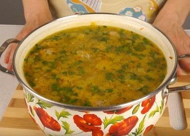 Нежный и легкий суп с фрикадельками и рисом: пошаговый рецепт с фото.
