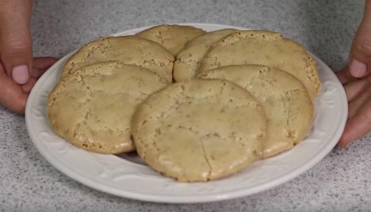 Как видите, роскошное миндальное печенье можно с легкостью приготовить даже дома.