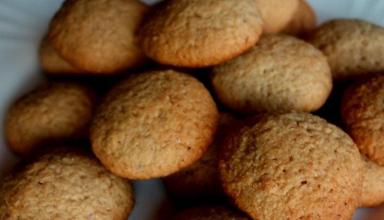 Как видите, овсяное печенье без муки приготовить можно очень быстро.