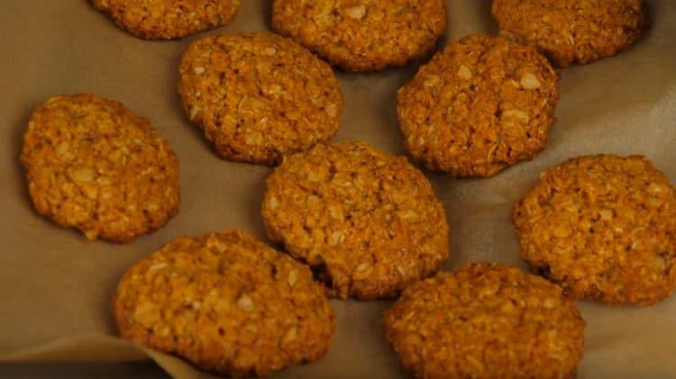 Как видите, такой овсяное печенье без яиц готовится очень просто.