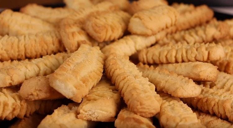 Как видите, песочное печенье через мясорубку готовится просто.