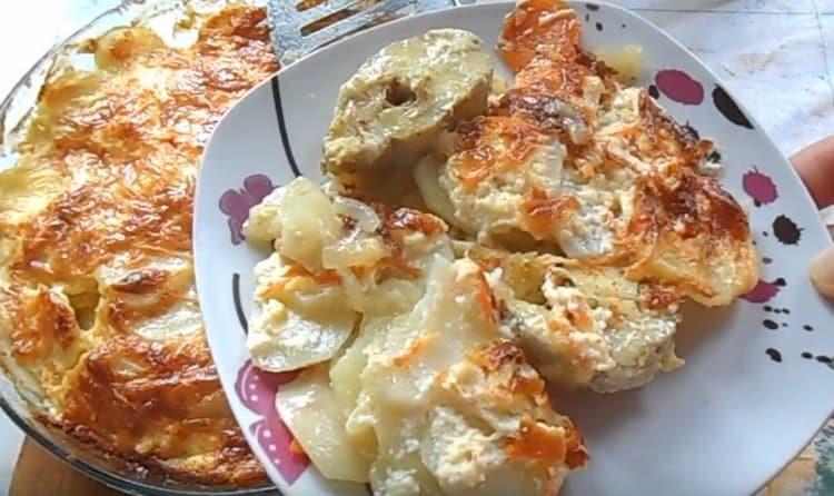 Рыба по-французски это достойная альтернатива такого же мясного блюда.
