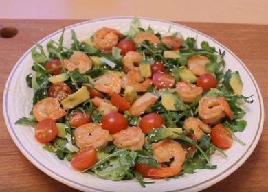 Готовим вкусный салат с авокадо и креветками по рецепты с пошаговыми фото.