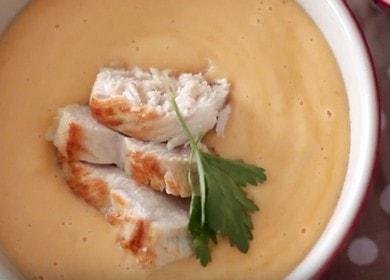 Рецепт сырного крем-супа с курицей и сухариками — вкус детства
