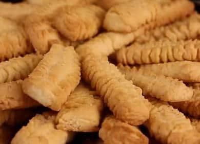 Песочное печенье через мясорубку — самое нежное и рассыпчатое лакомство