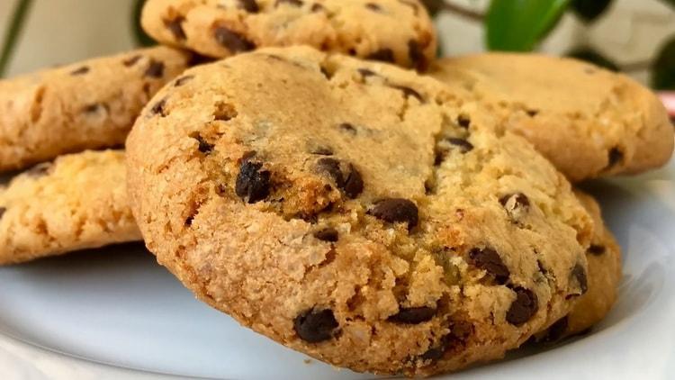 Домашнее печенье с шоколадной крошкой - очень вкусно