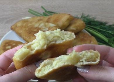 Готовим вкусные жареные пирожки с картошкой на кефире по пошаговому рецепту с фото.