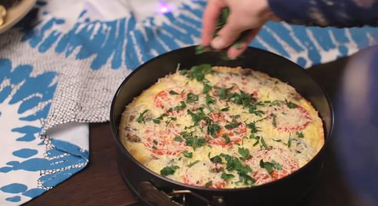 Надеемся, вам понравился этот рецепт, и вы сами сможете приготовить такой замечательный киш с курицей и грибами.