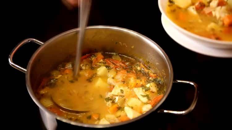 Рыбный суп из филе минтая с овощами - диетический рецепт