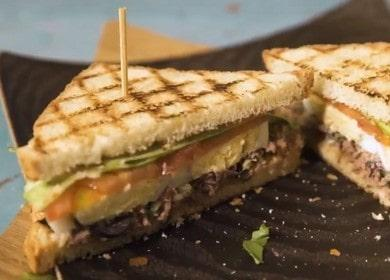 Сэндвич с тунцом — просто и очень вкусно