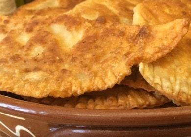 Готовим тесто для чебуреков на воде по пошаговому рецепту с фото.