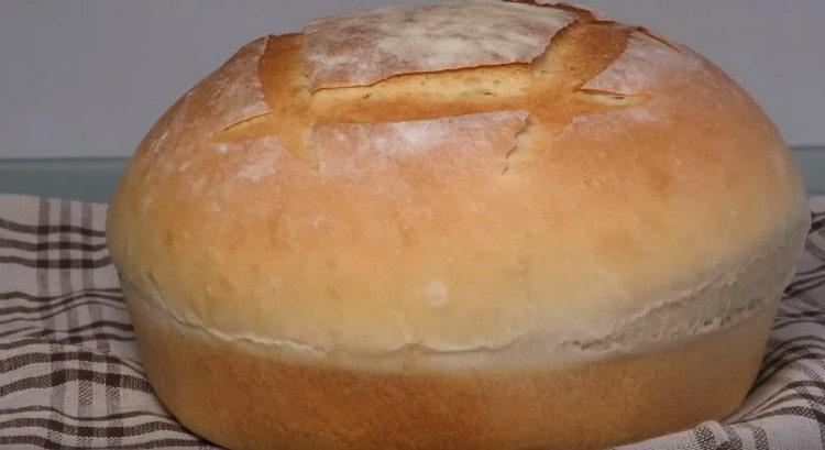Вот такой красивый и аппетитный хлеб можно испечь в духовке, следуя этому рецепту.