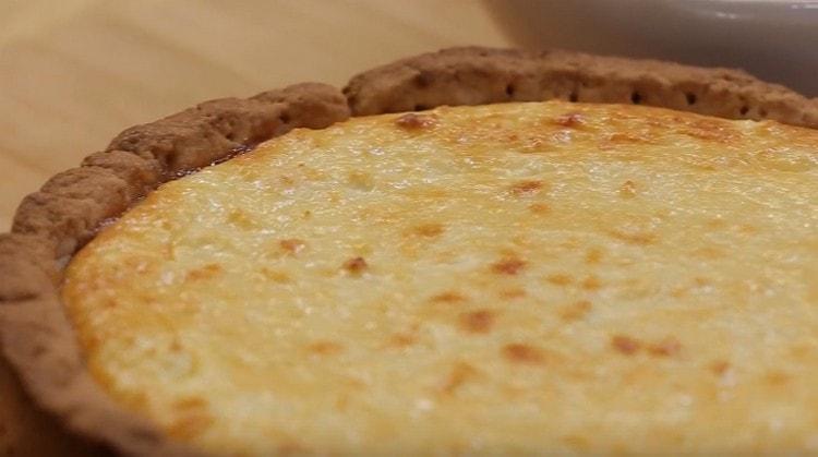 Вот такой чизкейк с творогом с выпечкой можно легко приготовить в домашних условиях.