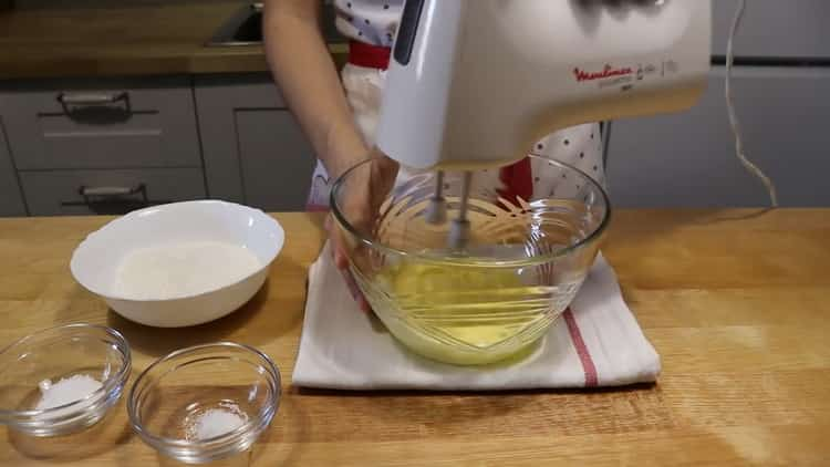 Для приготовления бананового кекса подготовьте ингредиенты