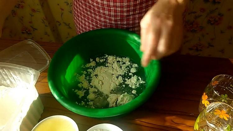 Для приготовления быстрого дрожжевое тесто для пирожков подготовьте ингредиенты