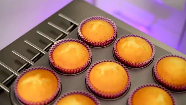 Ванильные капкейки по пошаговому рецепту с фото