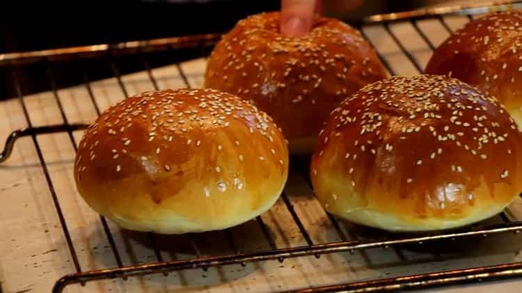булочки для бургеров приготовленные по простому рецепту готовы