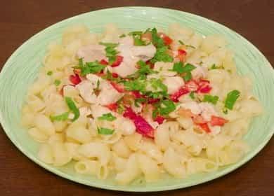 Вкусные макароны с курицей в сливочном соусе — готовим в мультиварке 