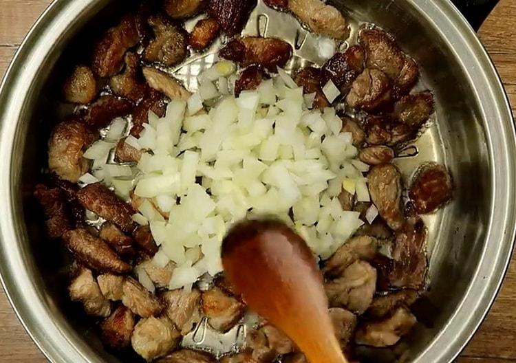 Для приготовления макарон, подготовьте ингредиенты