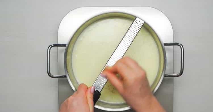 Для приготовления макарон натрите мускатный орех