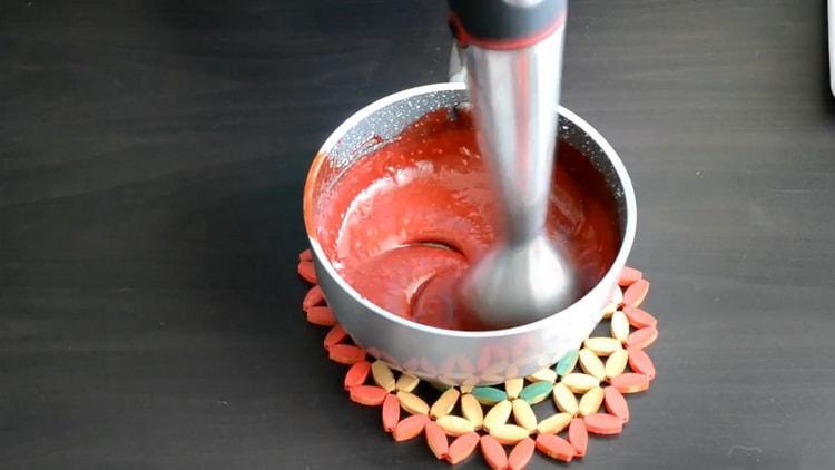Для приготовления начинки для эклеров взбейте ингредиенты