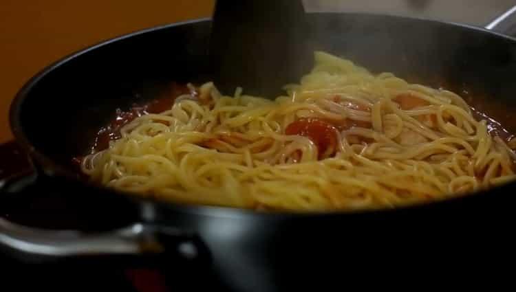 Для приготовления спагетти перемешайте ингредиенты