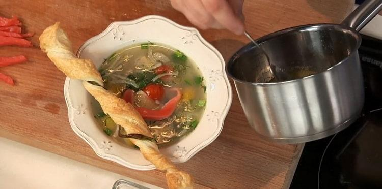 Уха из стерляди с копченой форелью - очень вкусный и оригинальный рыбный суп