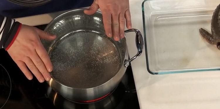 Для приготовления ухи из стерляди, подготовьте ингредиенты