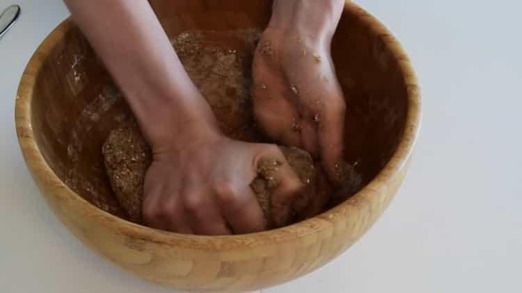 Для приготовления хлеба на кефире смешайте ингредиенты