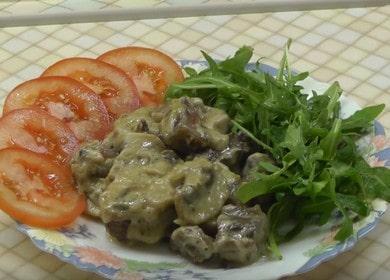 Бефстроганов из говядины с грибами в сливочном соусе — вкусное мясное блюдо 🥩