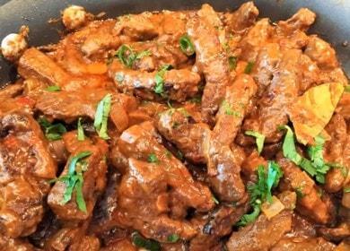 Готовим бефстроганов из говяжьей печени со сметаной по пошаговому рецепту с фото.