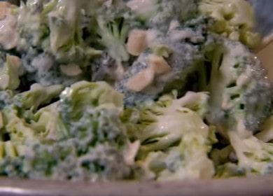 Готовим интересный салат из брокколи: рецепт с пошаговыми фото и видео.