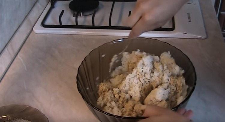 Перемешиваем чечевичную массу с рисом.