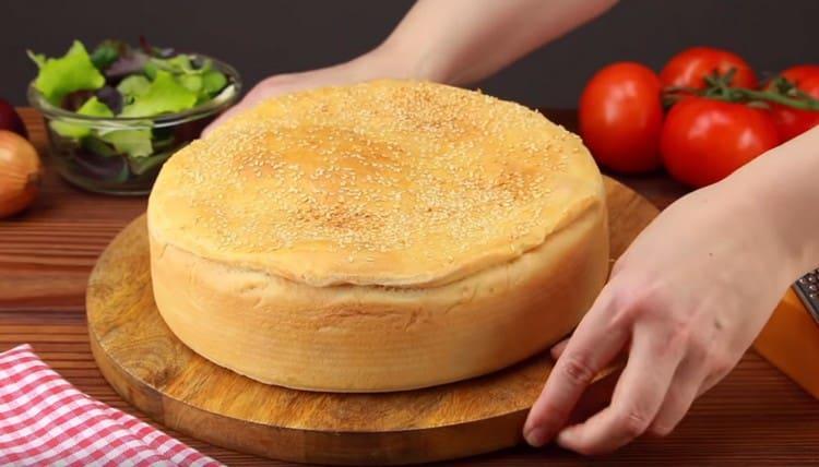 Попробуйте приготовить пирог чизбургер по нашему рецепту.