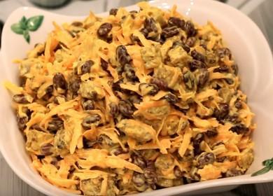 Как научиться готовить вкусный салат с кириешками и фасолью 🥗