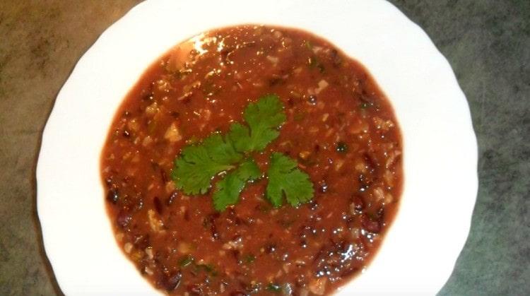 оригинальный суп с красной фасолью готов.
