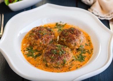Готовим вкуснейшие тефтели в сметанном соусе на сковороде по пошаговому рецепту с фото.