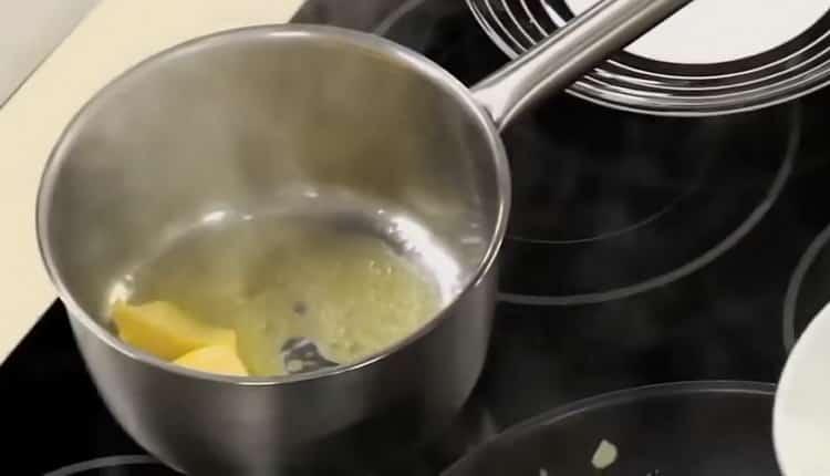 Готовим бешамель для лазаньи