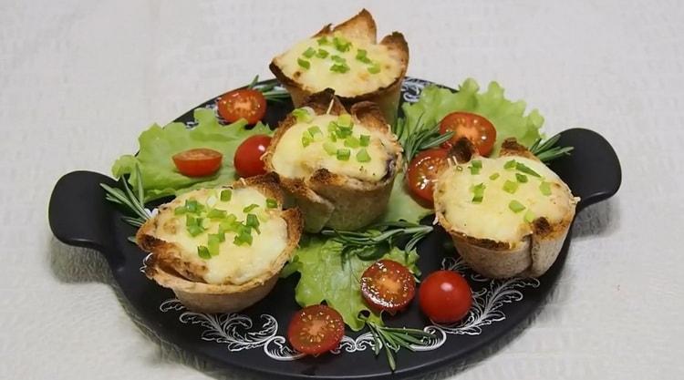 Жульен с курицей и грибами в тарталетках по пошаговому рецепту с фото