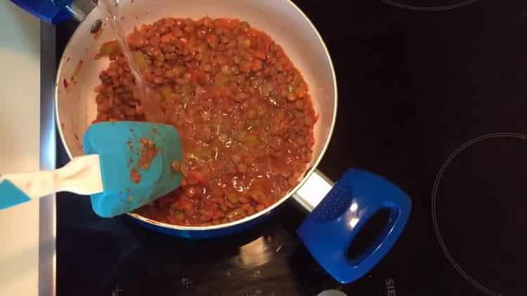 Для приготовления чечевицы смешайте ингредиенты